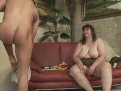 Most fun had männlich flirten Körpersprache prefer larger stocky